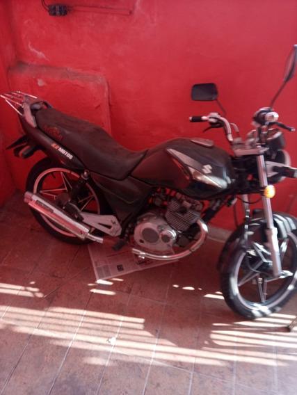 Suzuki Yes 125 Preta