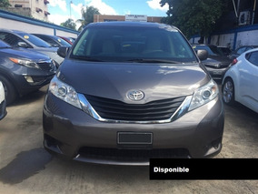 Toyota Sienna Le 13 Gris