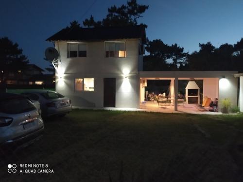 Imagen 1 de 14 de Casa En La Caleta Cerca Del Mar