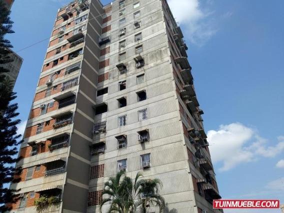 Apartamento En Venta En Av Ayacucho Maracay 19-9942 Mv