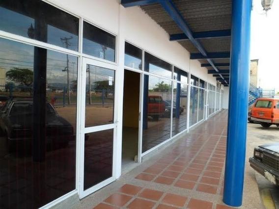 Locales Al Lado Del Hotel El Dorado Yralys 04248948234