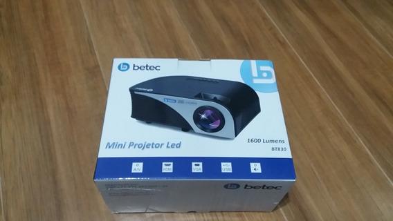 Mini Projetor Portatil Led - 1600 Lumens - Bt830