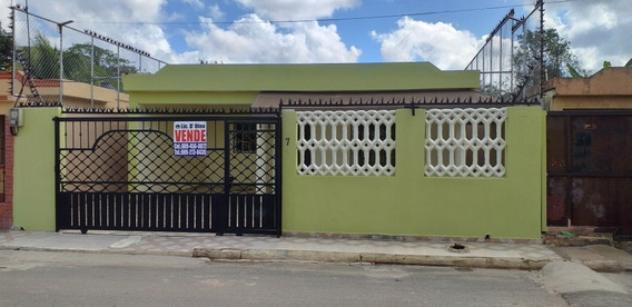Casa En Residencial Las Acacias 2, Autopista De San Isidro