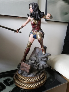 Wonder Woman Sideshow Premium Format 1/4