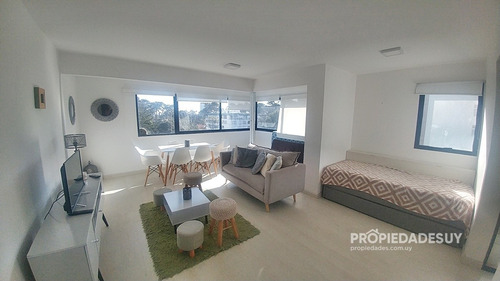 Apartamento En Venta De Un Dormitorio- Ref: 825