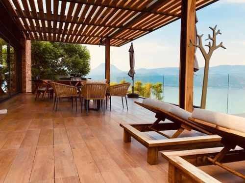 Casa Moderna-inteligente Con Excepcional Vista Al Lago Y Montañas.