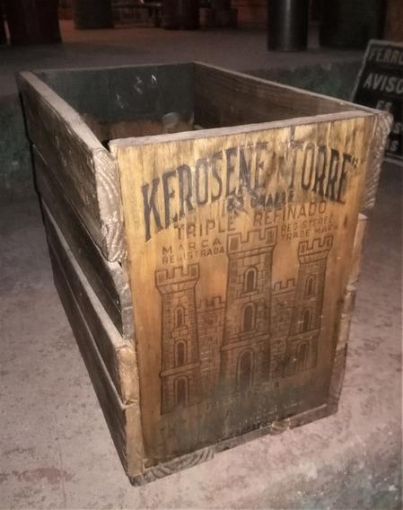 Cajón De Madera De Kerosene Torre Antiguo Rustico