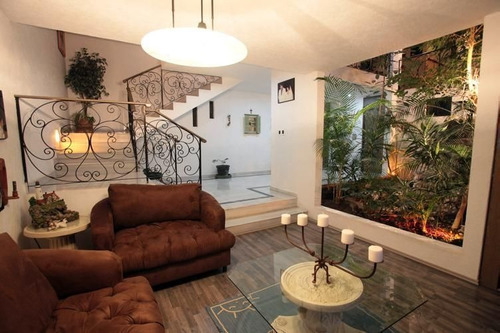 Imagen 1 de 22 de Oportunidad De Gran Residencia Con Jardín