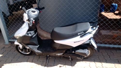 Imagem 1 de 2 de Bull Motors 50cc