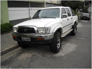 Toyota Hilux 2.8 Dlx Cab. Dupla 4x4 4p 2001
