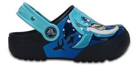 Zapato Crocs Niño Fun Lab Lights Tiburon Clog K