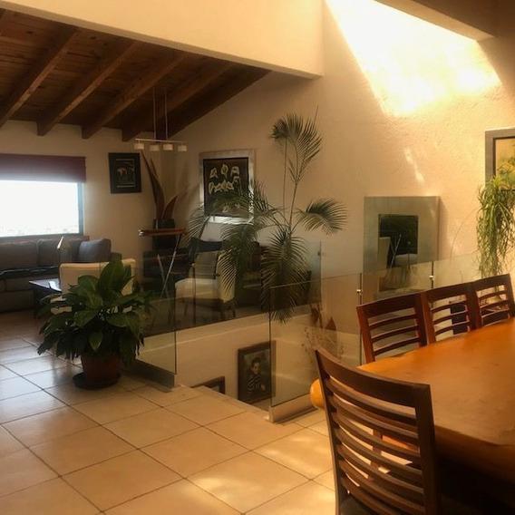 Casa En Venta. Privada Arboledas. Queretaro. Rcv200213-lr