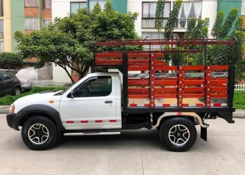 Nissan Frontier Estacas