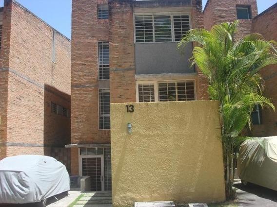 María José F. 20-13627 Vende Townhouse Los Guayabitos