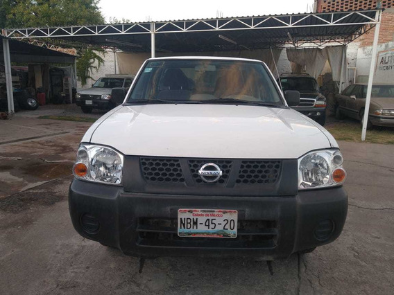 Nissan Np300 2.4 Doble Cabina 4x2