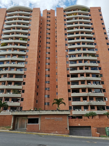 Apartamento Urb. Santa Mónica, Paseo Los Próceres 2h/2b/2pe