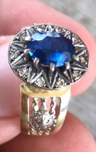 Anel De Ouro Com Diamantes E Pedra Safira Azul