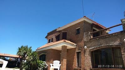 Casa Con Piscina Al Sur Impecable!!! Suc Solymar