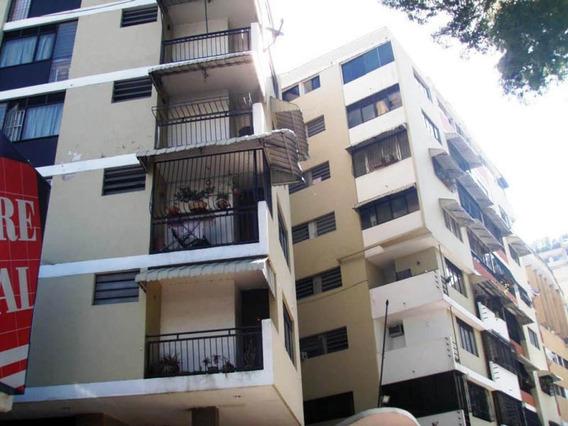 Apartamentos En Venta - Clnas Bello Monte - 19-4024