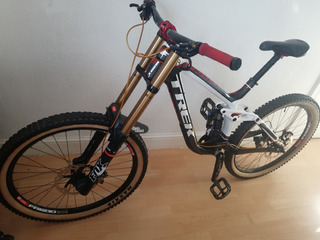 A Mais Top Mountain Bike Trek Session 9.9 - Carbono