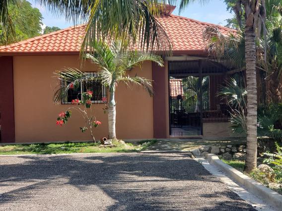 Casa Campestre Con Piscina En Venta Villa González Kgc-203