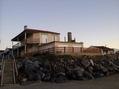Hermosa Casa Frente Al Mar En Hermenegildo!!