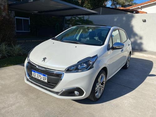 Peugeot 208 1.6 Urban Tech