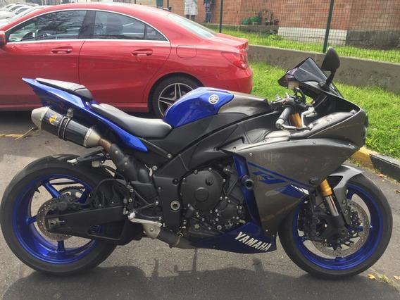 Yamaha R1 Race Blue 2014