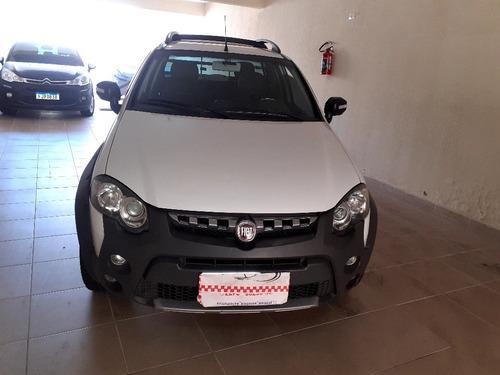 Fiat Strada 2012 1.8 16v Adventure Cab. Dupla Flex 2p