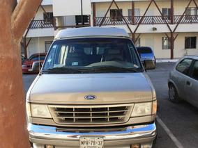 Magnifica Ford Van Explorer