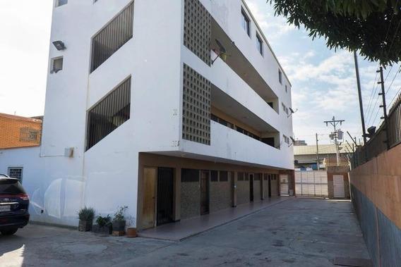 Apartamento En Alquiler Tierra Negra Mls # 20-11558 Isabel B