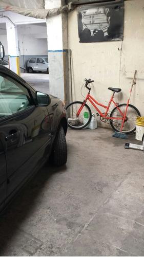 Espacio Para Depósito O Pequeño Taller Dentro De Parking