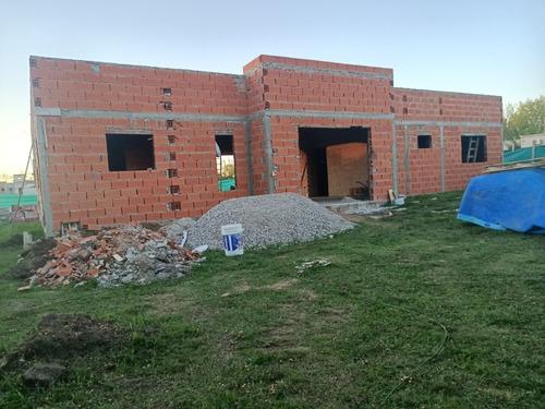 Imagen 1 de 14 de A Estrenar Con Pileta 4 Hab 210 M2  Altos Manzanares