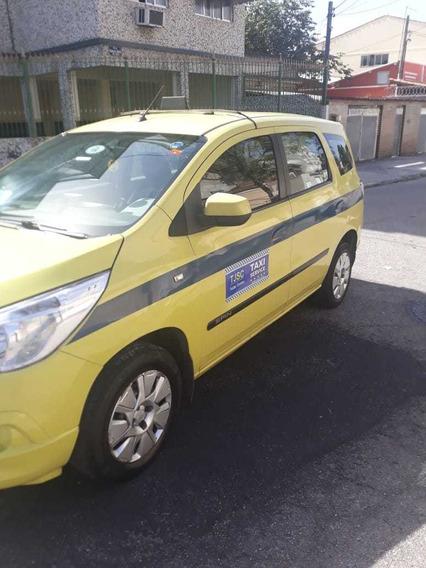 Carro Taxi Amarelo Com Tudo