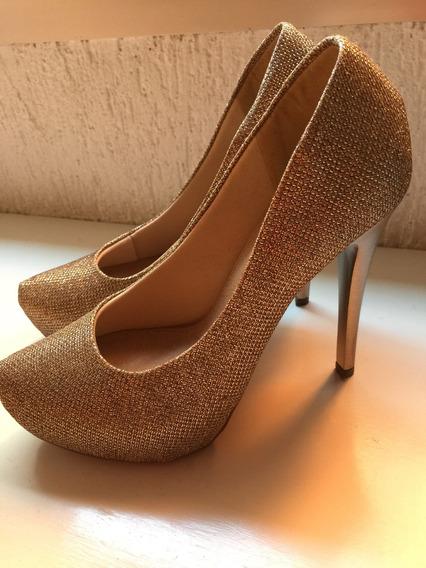 Sapato Dourado Lindo