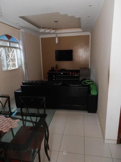Casa De 2 Quartos Com Uma Loja E Garagem - 956