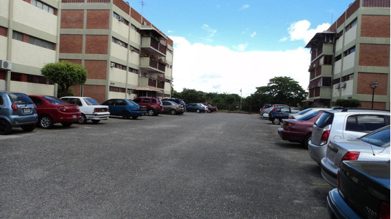 Apartamento En Venta En Barquisimeto Rah20-2155