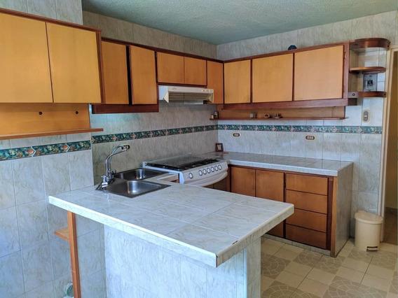 Apartamento De 4 Habitaciones Y 2 Baños