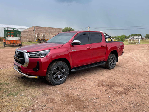 Toyota Hilux Srv 4x4 M/t 204 Cv