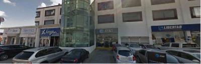 Se Renta Local Comercial En Plaza Comonfort, Metepec / Estado De México.