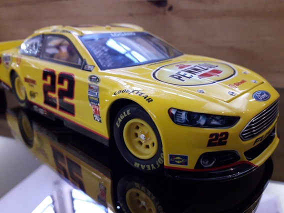 Auto Nascar Joy Logano 2013 Escala 1/24 Ford