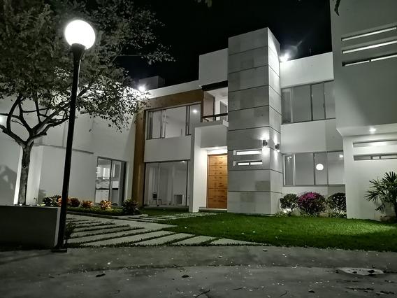 Linda Casa A Unos Minutos Del Centro De Cuernavaca