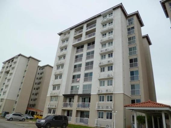 Apartamento En Venta En Versalles 19-11045 Emb