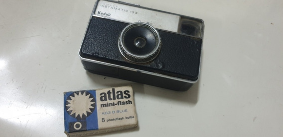 Máquina Fotográfica Antiga Kodak Instamatic 133 Rara E Flash