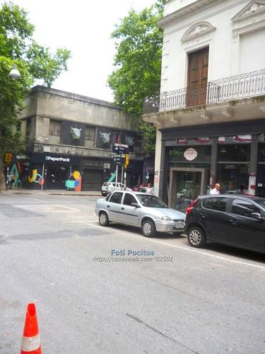 A Metros De 18 De Julio Y Palacio Salvo.