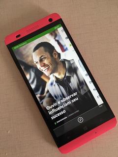 Smartphone Windows Phone 8 Rosa