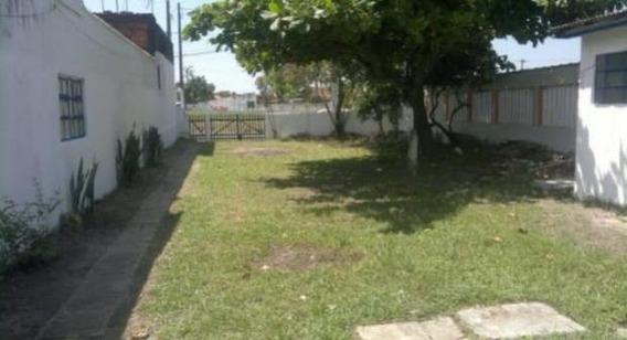 Casa Em Frente A Rodovia. Ref. C1608 S