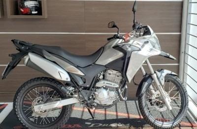Motocicleta Honda Xre 300 2019 Prata