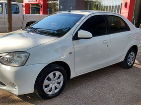 Toyota Etios 1.5 Sedan Xs 2015 1 Mano