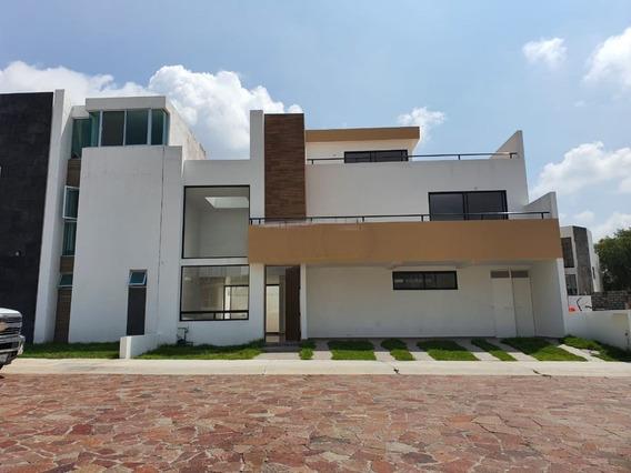 Casa En Venta Cañadas Del Lago En Privada Corregidora Queretaro Rcv200720-jv
